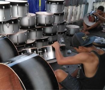 pengrajin drumband